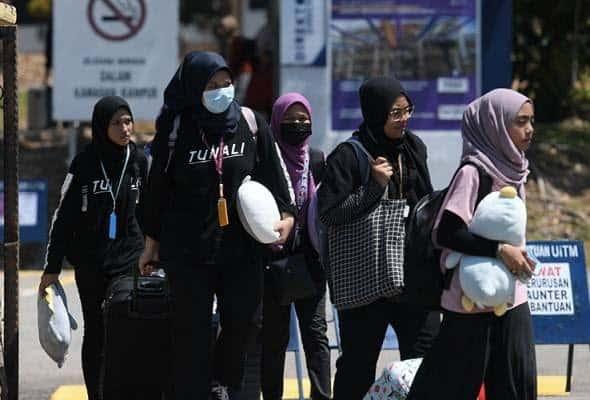 Kerajaan benarkan pelajar IPT rentas negeri pulang beraya di kampung kecuali Sarawak