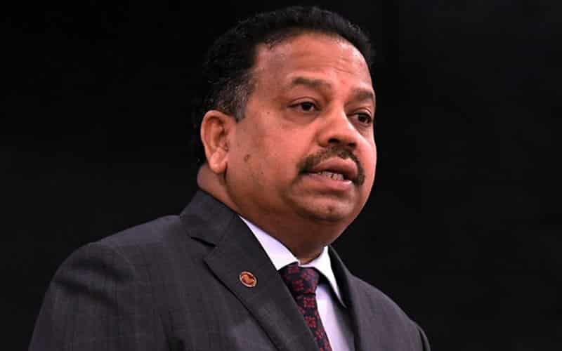 Menteri UMNO patut letak jawatan dulu bukan desak PM berundur – MIC